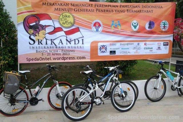 srikandi onthel indonesia aceh-padang 2013 01