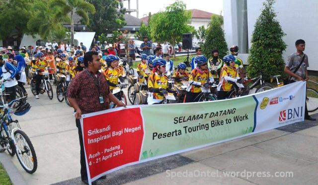 srikandi onthel indonesia aceh-padang 2013 02