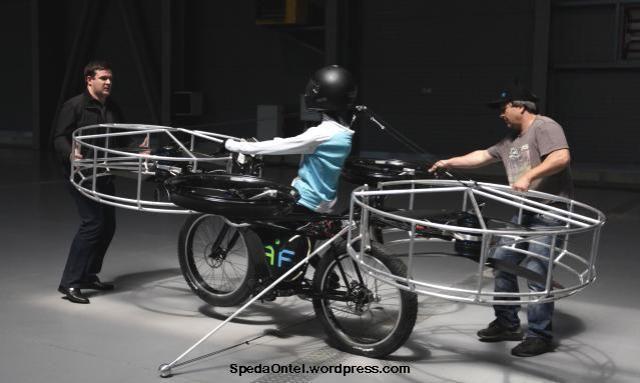 sepeda-terbang-buatan ceko 01