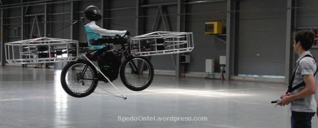 sepeda-terbang-buatan ceko 03