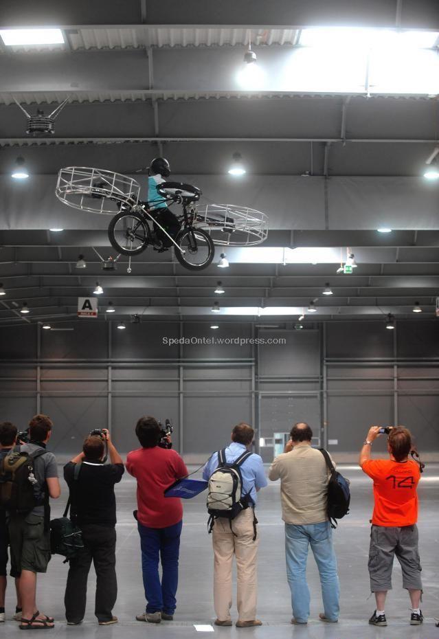 sepeda-terbang-buatan ceko 06