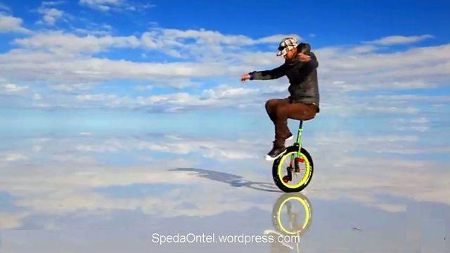 sepeda roda satu