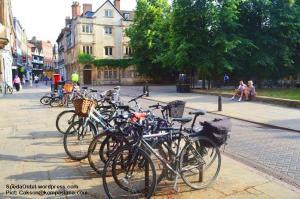 Sepeda Ontel di Pusat Kota Cambridge (Pict: Cakson@kompasiana.com)