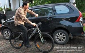 ahok_naik_sepeda 5