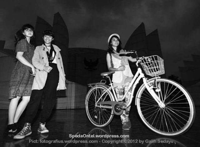 Bandung Cycling Chic 01