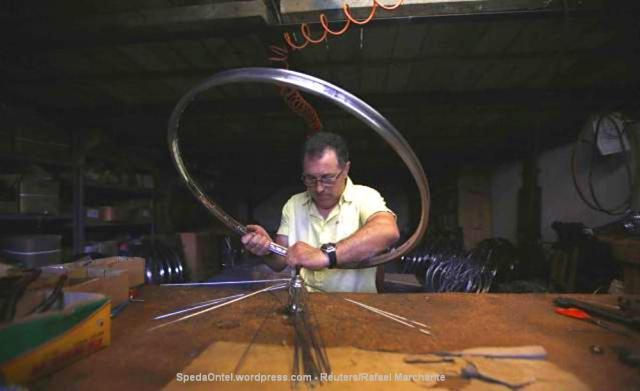 melihat-pembuatan-sepeda-klasik-satu-satunya-di-portugal-003