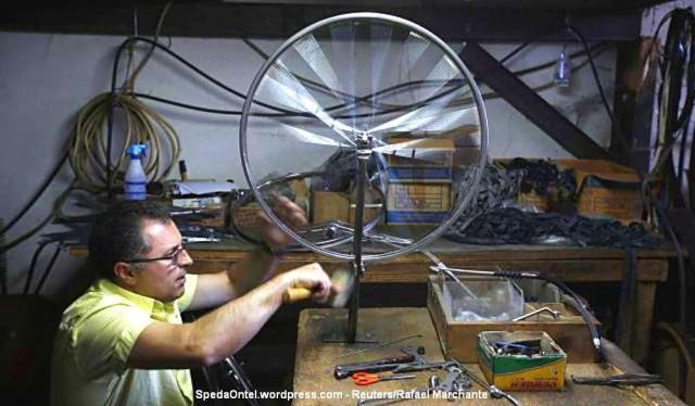 melihat-pembuatan-sepeda-klasik-satu-satunya-di-portugal-004