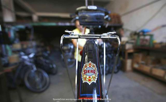 melihat-pembuatan-sepeda-klasik-satu-satunya-di-portugal-008