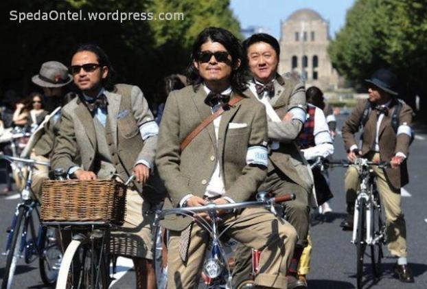 tweed-run-tokyo-2013-1