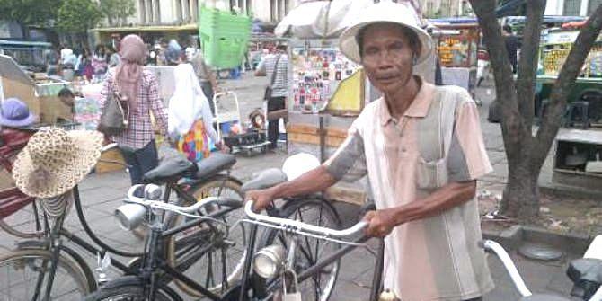 Sewa Sepeda Onthel di Kota Tua Jakarta Semakin Laris