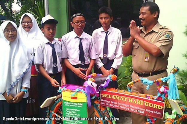 sepeda onrthel untuk guru sidoarjo