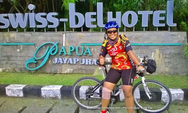 Ontelis Neng Tya Kompas Jelajah Sepeda Papua 2015 02