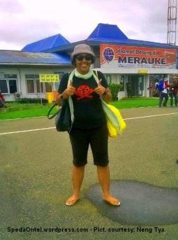 Ontelis Neng Tya Kompas Jelajah Sepeda Papua 2015 05